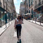 Never without my Beau Masque😷 Profitez des balades parisiennes sous le soleil mais toujours en sécurité!  Merci @noatbk 🤍 . . . #lebeaumasque #covid19 #covid #masques #masquebarriere #monbeaumasque #paris #masque #protection #health #sante #norisk #fashion #style