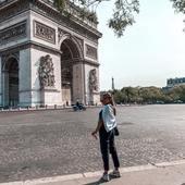 @noatbk wearing @lebeaumasque 🤍 Profitez des rues de Paris en toute sécurité avec Le Beau Masque Tous nos modèles sont dispo sur notre site ✨  . . . #lebeaumasque #covid19 #covid #masques #masquebarriere #monbeaumasque #paris #masque #protection #health #sante #norisk #fashion #style