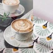 Double bonne nouvelle en ce vendredi : c'est le week-end...et la liberté n'est plus très loin !  On va compter les jours jusqu'au 19 mai, synonyme de réouverture des réjouissances ! 🎉  Et parmi elles, le café en terrasse, toujours avec son Beau Masque ☕ Soyez parés : www.lebeaumasque.fr  #masques #catégorie1 #tissu #terrasse #deconfinement #café #protection